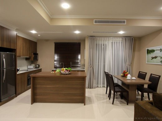 dbcourt-dining-room-520x390