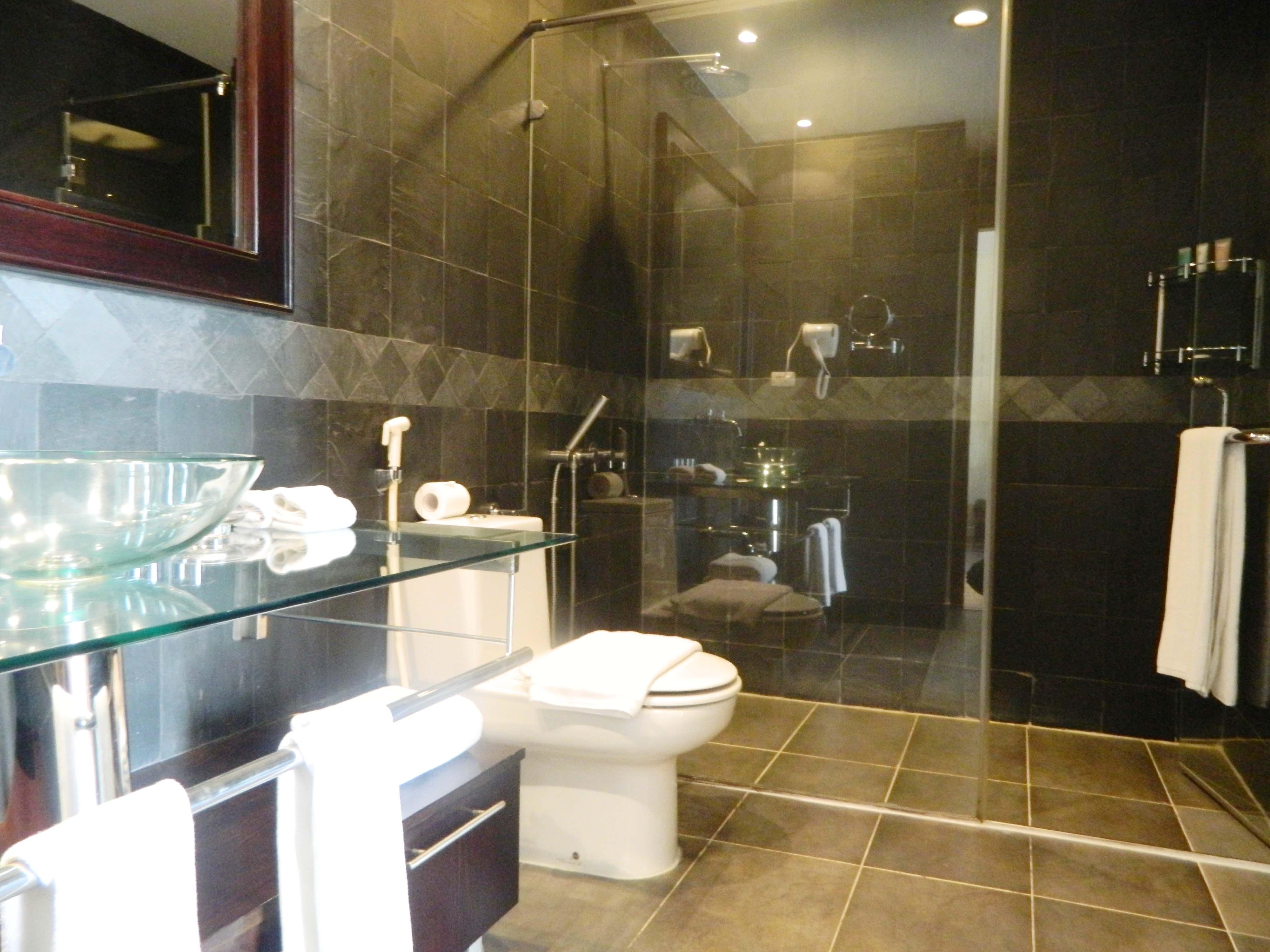 1br bath room